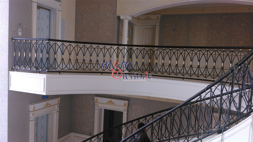 037 Wrought Iron Stair Railing