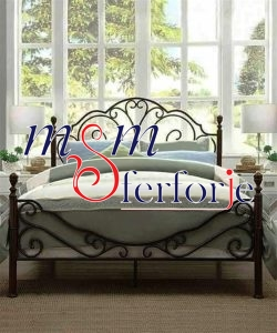 040 Wrought Iron Bed Head