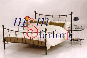 006 Wrought Iron Bed Head