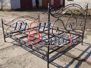 011 Wrought Iron Bed Head