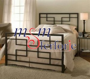 003 Wrought Iron Bed Head